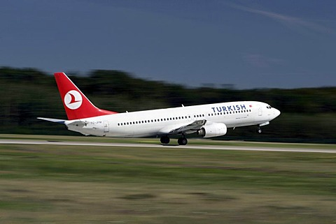 Boing 737 of the Turkish Airlines starting at Frankfurt Airport, Frankfurt, Hesse, Germany, Europe