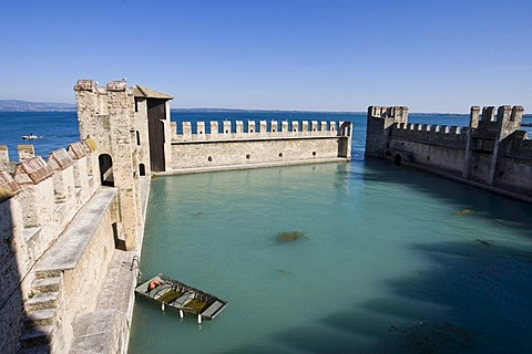 Harbour at Scaligero Castle, Sirmione, Lake Garda, Lago di Garda, Lombardy, Italy, Europe