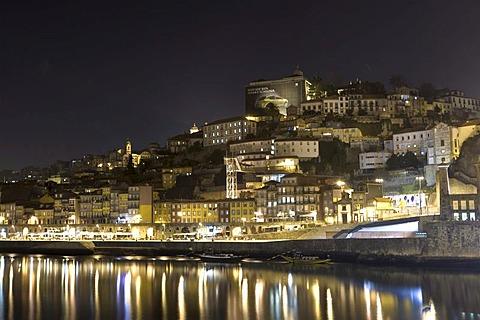 The historic centre of Porto with the Ribeira Quay, Rio Duoro River, Porto, UNESCO World Cultural Heritage Site, Portugal, Europe