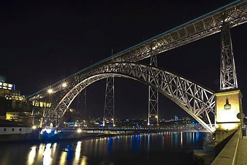 Ponte de Dom Luis I Bridge, Ribeira Quay, Rio Duoro River, Porto, UNESCO World Heritage Site, Portugal, Europe