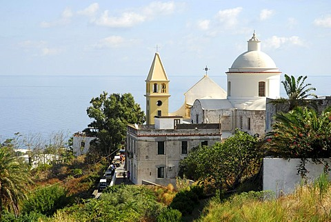 Church with a view to the sea in the white village on Stromboli Island, Aeolian or Lipari Islands, Tyrrhenian Sea, Sicily, South Italy, Italy, Europe