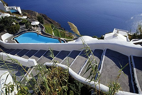 Staircase to the pool at the crater rib of the volcano between Finikia and Oia in the northern part of the island, view of the caldera, Island of Santorini, Thera or Thira, Cyclades, the Aegean, Mediterranean Sea, Greece, Europe