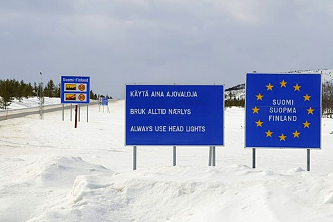 Signs, Finnish-Norwegian border in the Finnmark, Lapland, Norway, Scandinavia, Europe