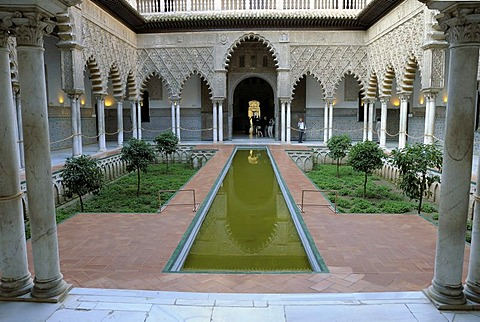 Patio de Monteria, inner courtyard, Alcazar, medieval royal palace, Sevilla, Andalusia, Spain, Europe