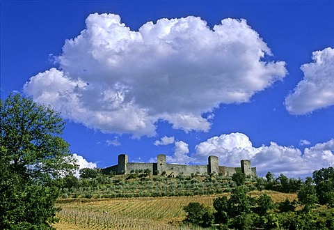 Walled medieval town, Monteriggioni, Province of Siena, Tuscany, Italy, Europe