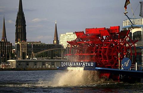 Paddle steamer in front of the St. Pauli Landing Bridges, Hamburg, Germany, Europe