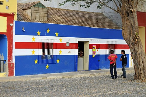 Building painted with the colours of the national flag, Sal Rei, Boa Vista Island, Republic of Cape Verde, Africa