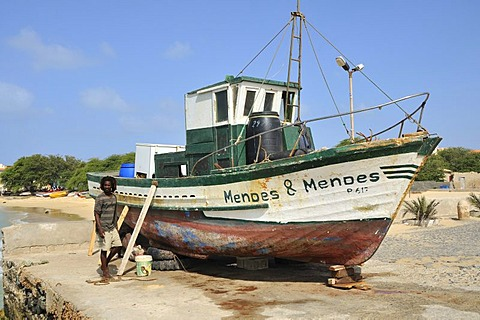 Fishing cutter, Sal Rei, Boa Vista Island, Republic of Cape Verde, Africa