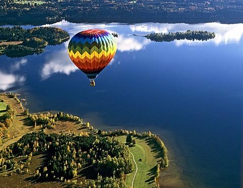 Aerial picture, hot-air balloon above Staffelsee Lake near Uffing, Murnau, Upper Bavaria, Germany, Europe