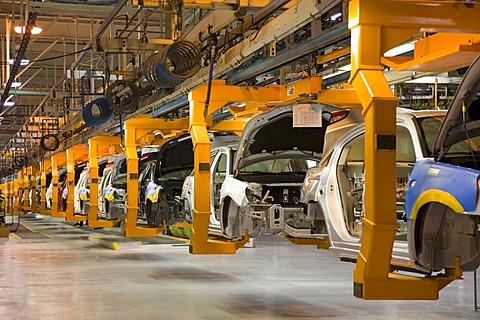 Assembly line for the Chrysler Sebring sedan, Sterling Heights, Michigan, USA