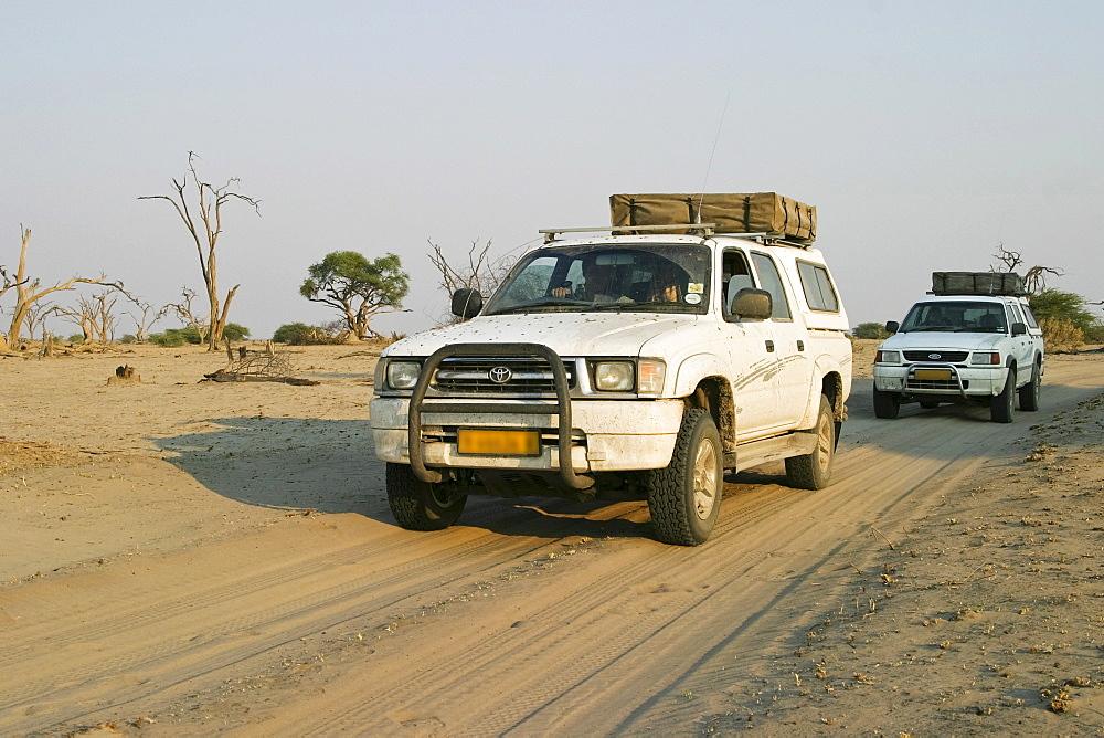 Offroadtour with two 4x4, Savuti Area, Chobe Nationalpark, Botswana, Africa