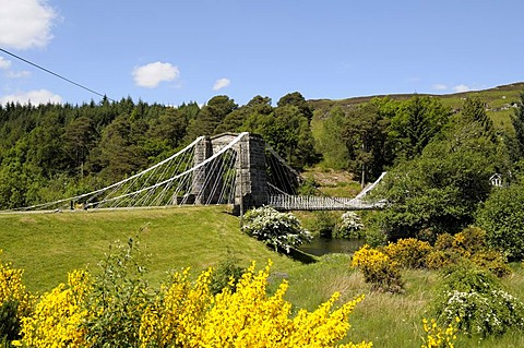 Bridge of Oich, a steel bridge built across the Oich River circa 1854, close to Fort Augustus, belonging to the Caledonian Canal which connects the Atlantic Ocean and the North Sea, Scotland, Great Britain, Europe