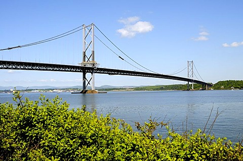 Street Bridge, a two-kilometre-long bridge crossing the firth of Forth Fjord near Edinburgh, Scotland, Great Britain, Europe