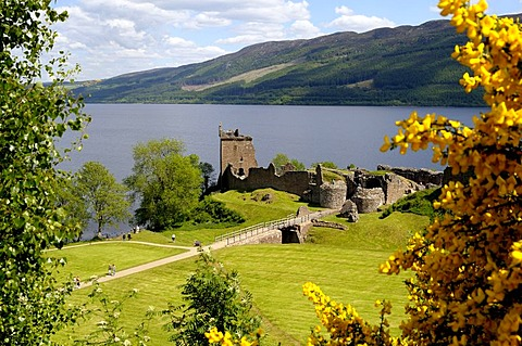 Urquhart Castle, famous castle ruins on Loch Ness, Scotland, Great Britain, Europe