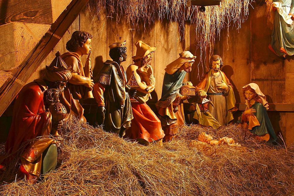 Nativity scene - 832-274463
