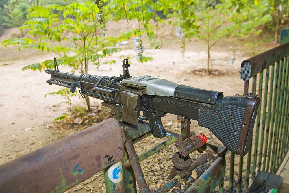 M60, U.S.-manufactured machine gun