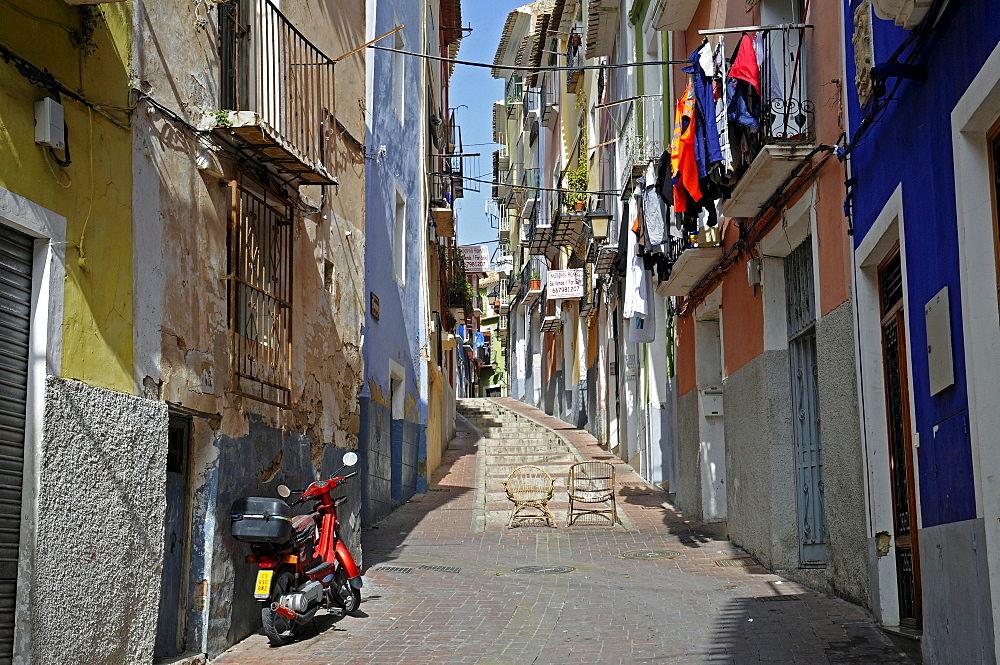 Alley in the historic centre of Vila Joiosa, Villajoyosa, Alicante, Costa Blanca, Spain