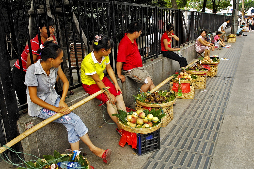 Old part of town, street scene, street trading of fruits, Shanghai, China, Asia