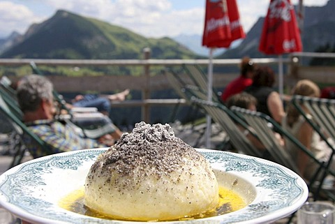 DEU, Colonel village, 14.09.2005, Germknoedel, yeast dumpling