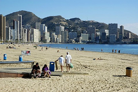 Vacationist at the beach, Playa de Levante, Benidorm, Costa Blanca, Spain