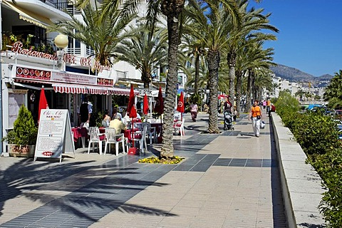 Restaurants and tourists on the board walk, paseo, Altea, Costa Blanca, Spain