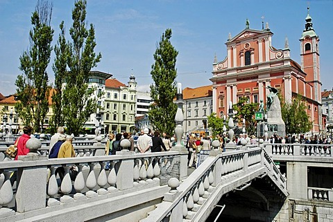 Franciscan church, triple bridge or three bridges crossing the river Ljubljanica, Ljubljana, Slovenia