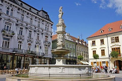 Roland Fountain, Main square, Hlavne namestie, Bratislava, Slovakia