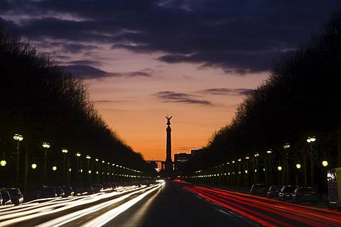 17th of June Street, view toward the Siegessaeule (Victory Column) at sunset, Tiergarten, Berlin, Germany, Europe