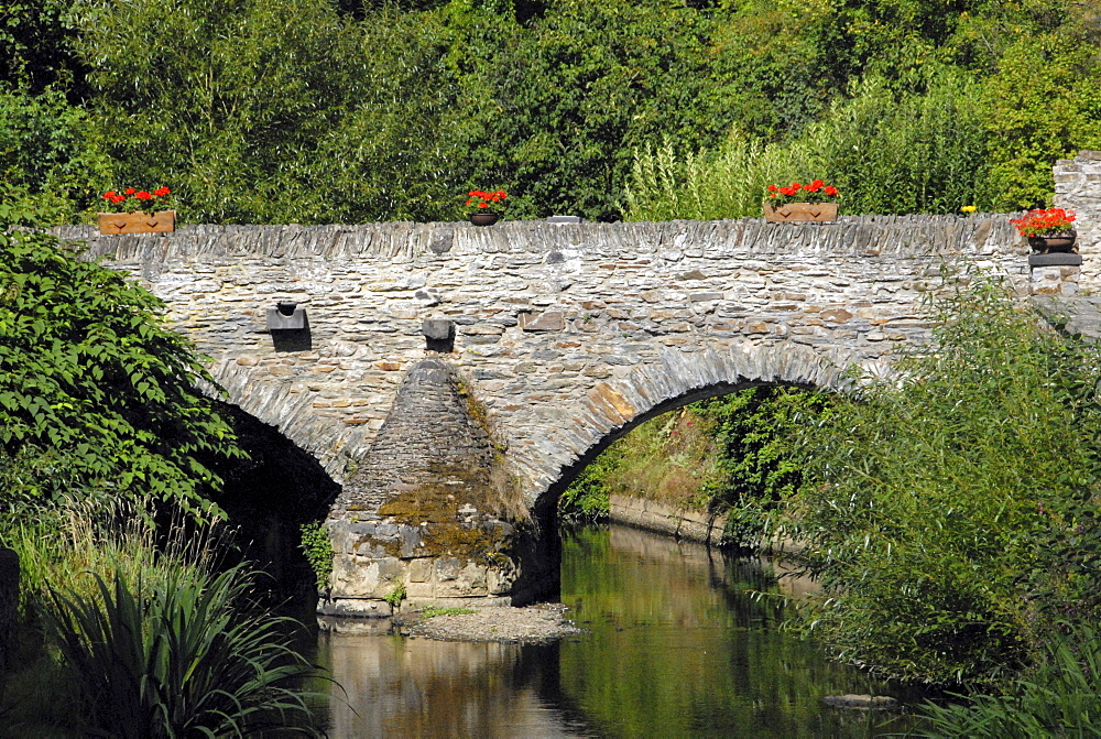 """Old bridge in the town of Monreal, winner of the """"Unser Dorf hat Zukunft"""" (Our Town Has a Future) national contest in 2004, Monreal, Rhineland-Palatinate, Germany, Europe"""