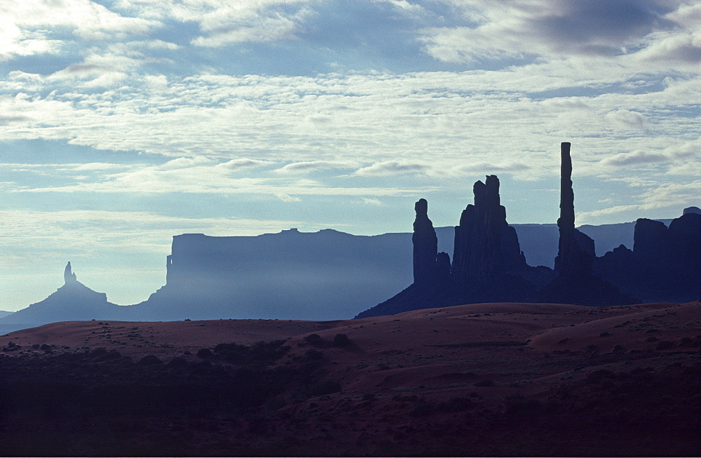 Totem Pole in Monument Valley, Utah, USA, North America