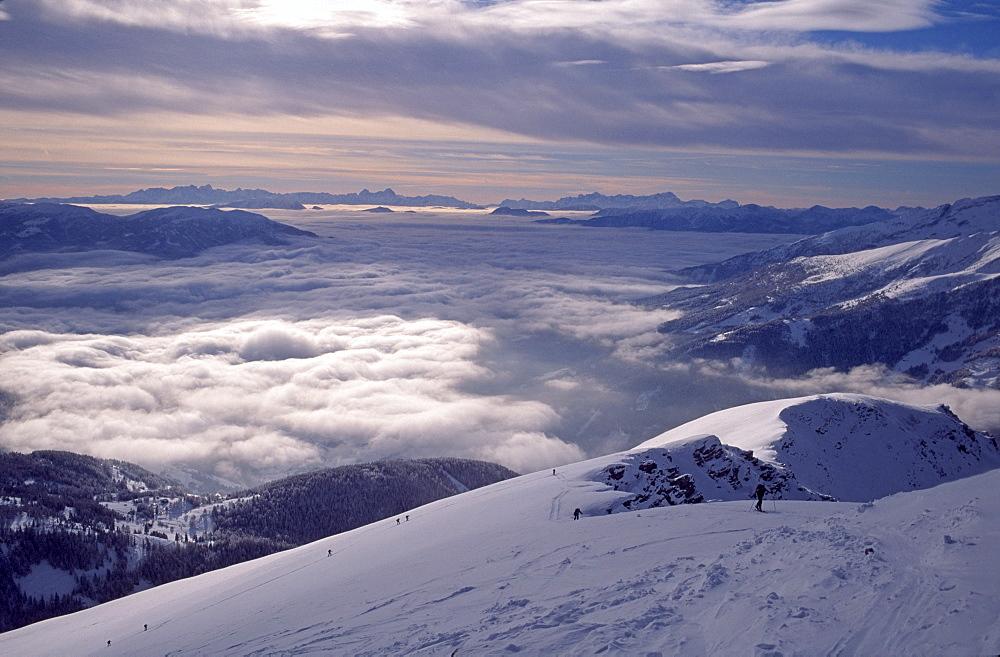 Skiers, Faschaunereck, Hohe Tauern Range, Carinthia, Austria, Europe