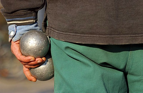 Boule game - Balls in the hand
