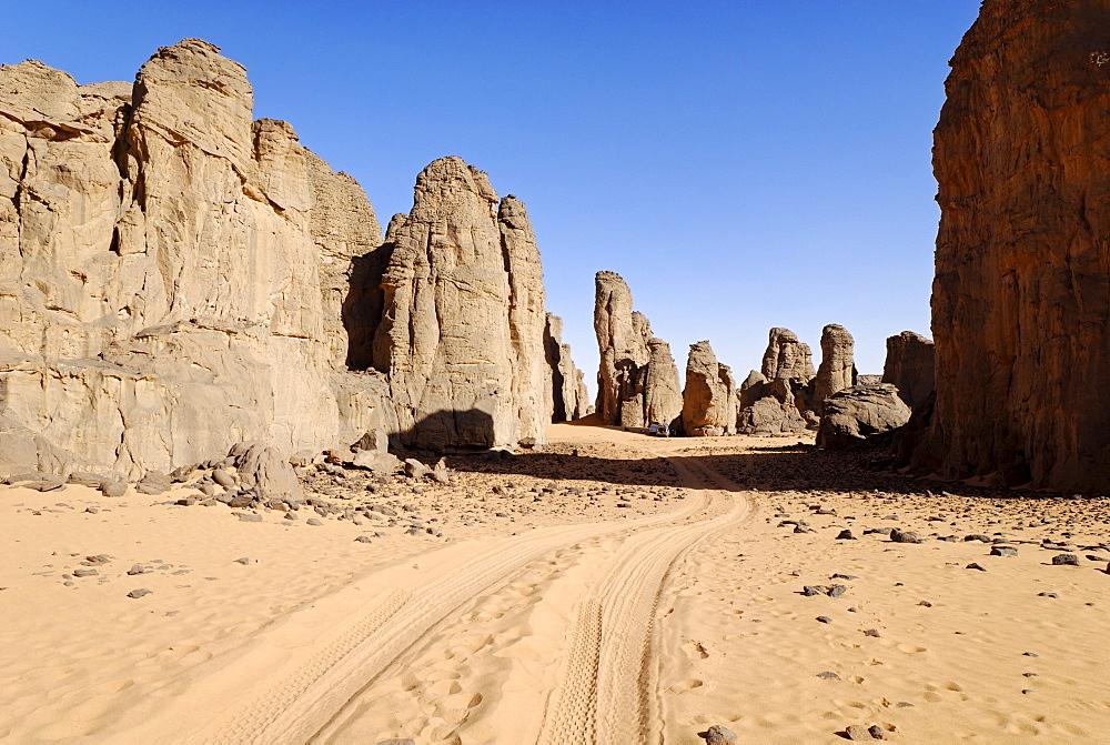 Rock formations in El Ghessour, Tassili du Hoggar, Wilaya Tamanrasset, Sahara Desert, Algeria, North Africa