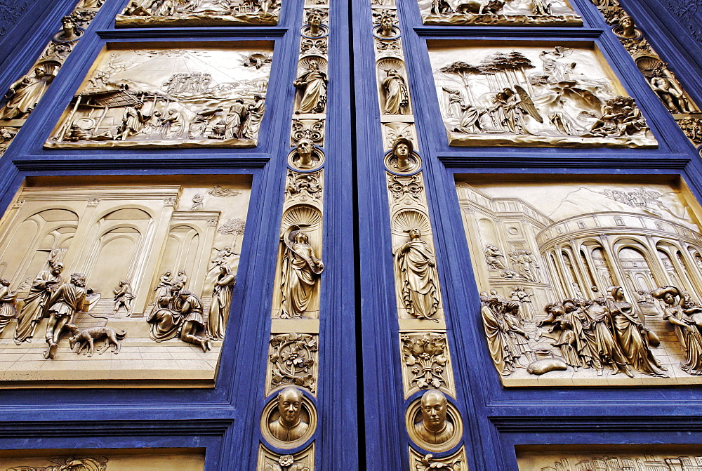 Bronze door to the Florence Paptistery or Battistero di San Giovanni or Baptistery of St John, early Renaissance masterpiece by Lorenzo Ghiberti, Florence, UNESCO World Heritage Site, Tuscany, Italy, Europe