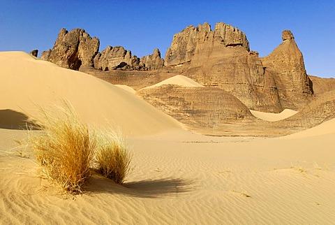 Rock formation in Tin Akachaker, Tassili du Hoggar, Wilaya Tamanrasset, Algeria, Sahara, North Africa