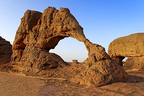 Rock formation in Youf Ahakit, Tassili du Hoggar, Wilaya Tamanrasset, Algeria, Sahara, North Africa