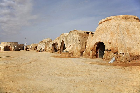 Desert city - location of star wars - episode I in the Sahara, Tozeur, Tunisia