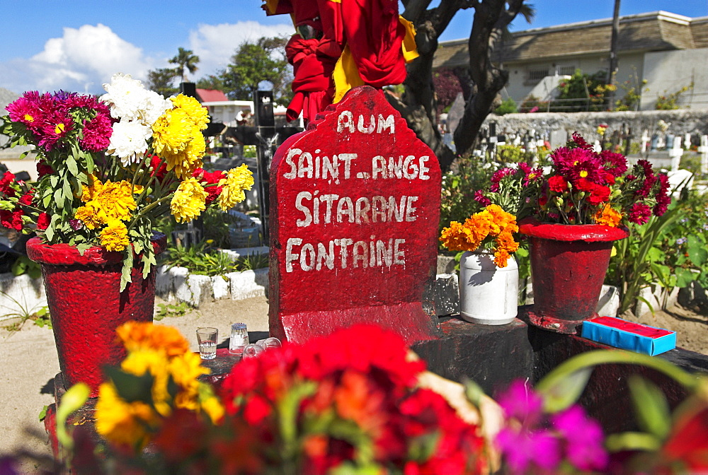 Grave of thief Le Sitarane in St. Pierre, La Reunion Island, France, Africa
