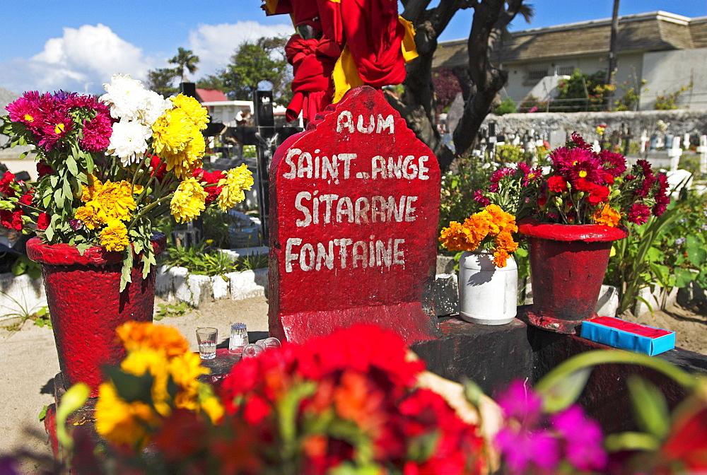 Grave of thief Le Sitarane in St. Pierre, La Reunion Island, France, Africa