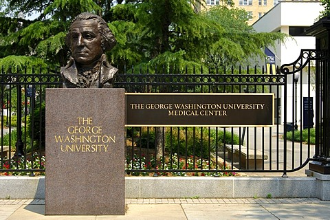 Bust of George Washington at the entrance to the medical centre of the George Washington University, Washington, D.C., USA