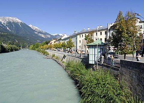 Innzeile, old part of town, Innsbruck, Tyrol, Austria