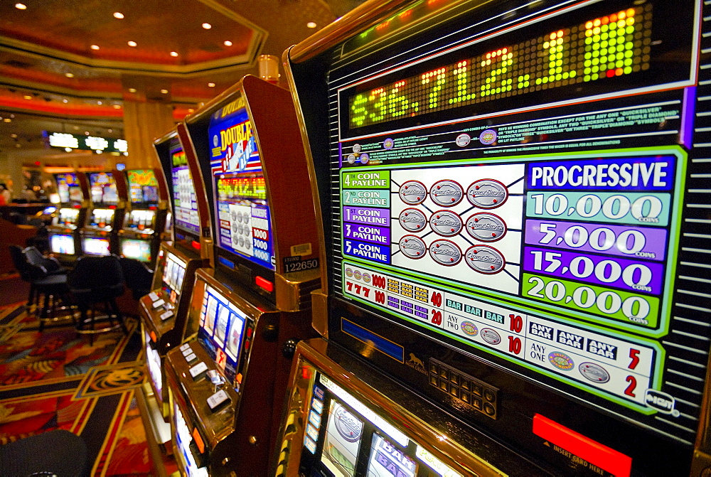 Slot machines in the casino of the MGM Grand Hotel, Strip, Las Vegas Boulevard, Las Vegas, Nevada, USA, North America