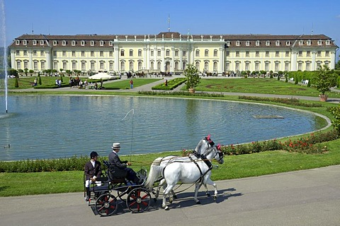 Horse-drawn carriage in front of Ludwigsburg Palace, Ludwigsburg, Baden-Wuerttemberg, Germany, Europe