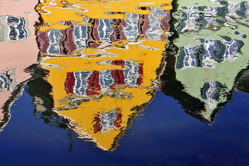 Neckar waterfront - reflection in the water, Tuebingen, Baden-Wuerttemberg, Germany