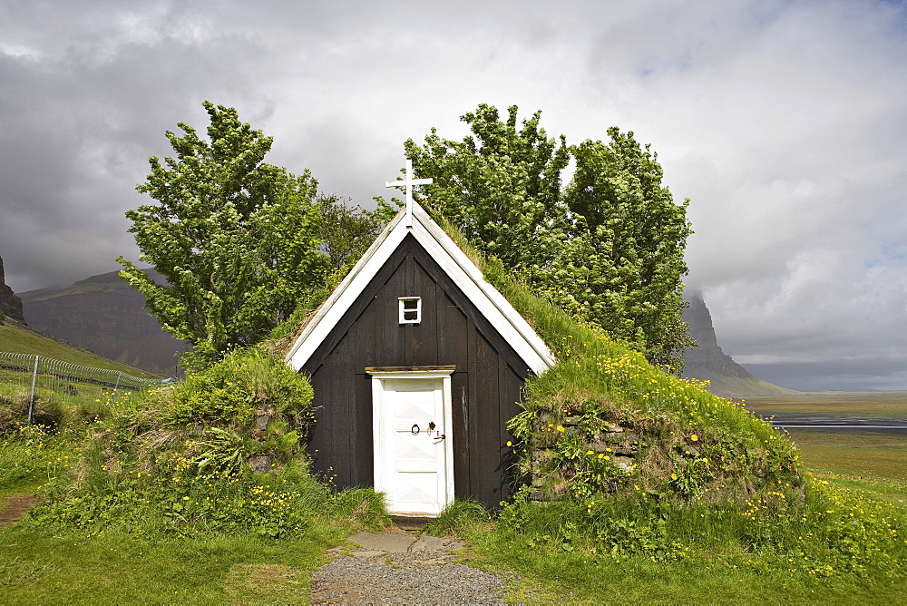 Seventeenth-century sod church, the smallest in Iceland, Nupsstaur farmyard, southern coast of Iceland, Atlantic Ocean