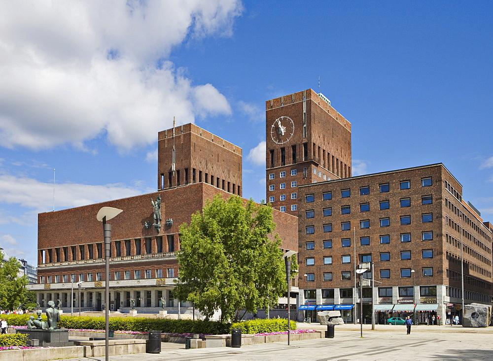 RÔøΩdhuset (Bauhaus-style town hall, 1950), Oslo, Norway, Scandinavia, Europe