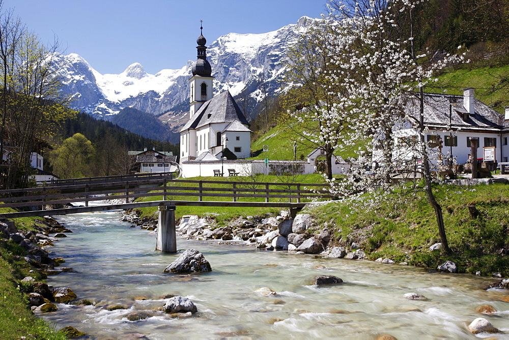 Malerwinkel, painter's viewpoint, Ramsau Church, Reiteralpen Alps near Berchtesgaden, Upper Bavaria, Germany, Europe
