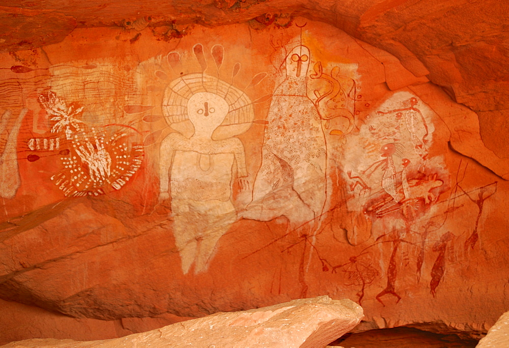 Rock art, Aborigines, south of Alice Springs, Northern Territory, Australia