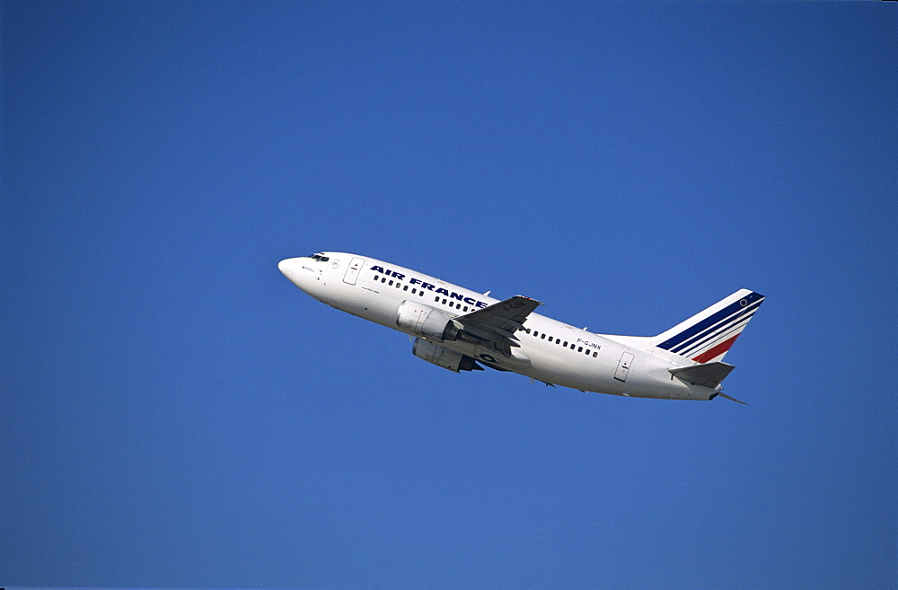 Air France Boeing 737-800 passenger jet during ascent