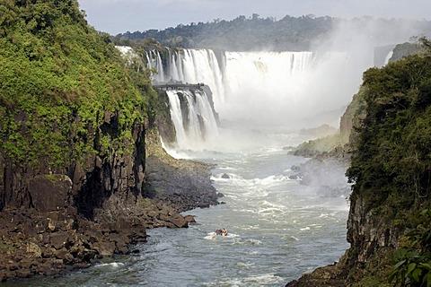 Iguacu, waterfalls, the largest waterfalls of the world, brasil